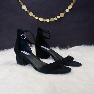 NWOB Steve Madden Irenee Black Suede Sandals